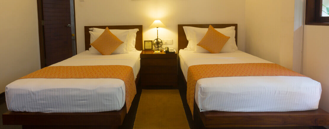 Twin bed room in Colombo eco friendly hotel