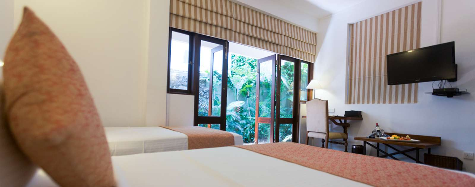 Twin bed room in Colombo Courtyard